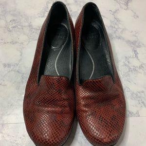 Dansko red mules nursing shoes